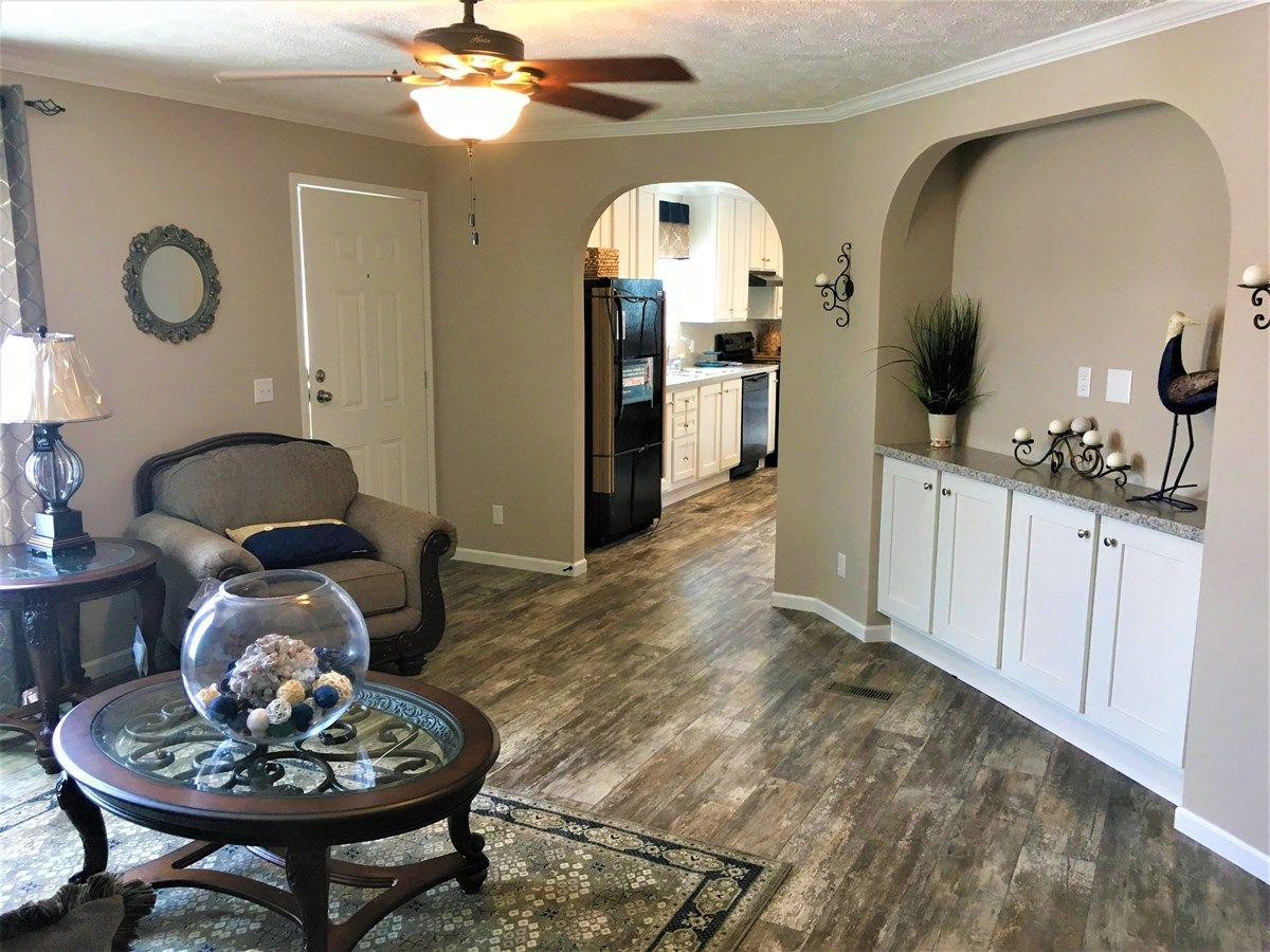 The Open Living Space of the Sanders Cavalier Homes Manufactured Home from Magnolia Estates in Vicksburg, MS