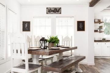 The Cozy Dining Room of the Lulabelle Buccaneer Homes Manufactured Home from Worldwide Homes in Lumberton, Texas