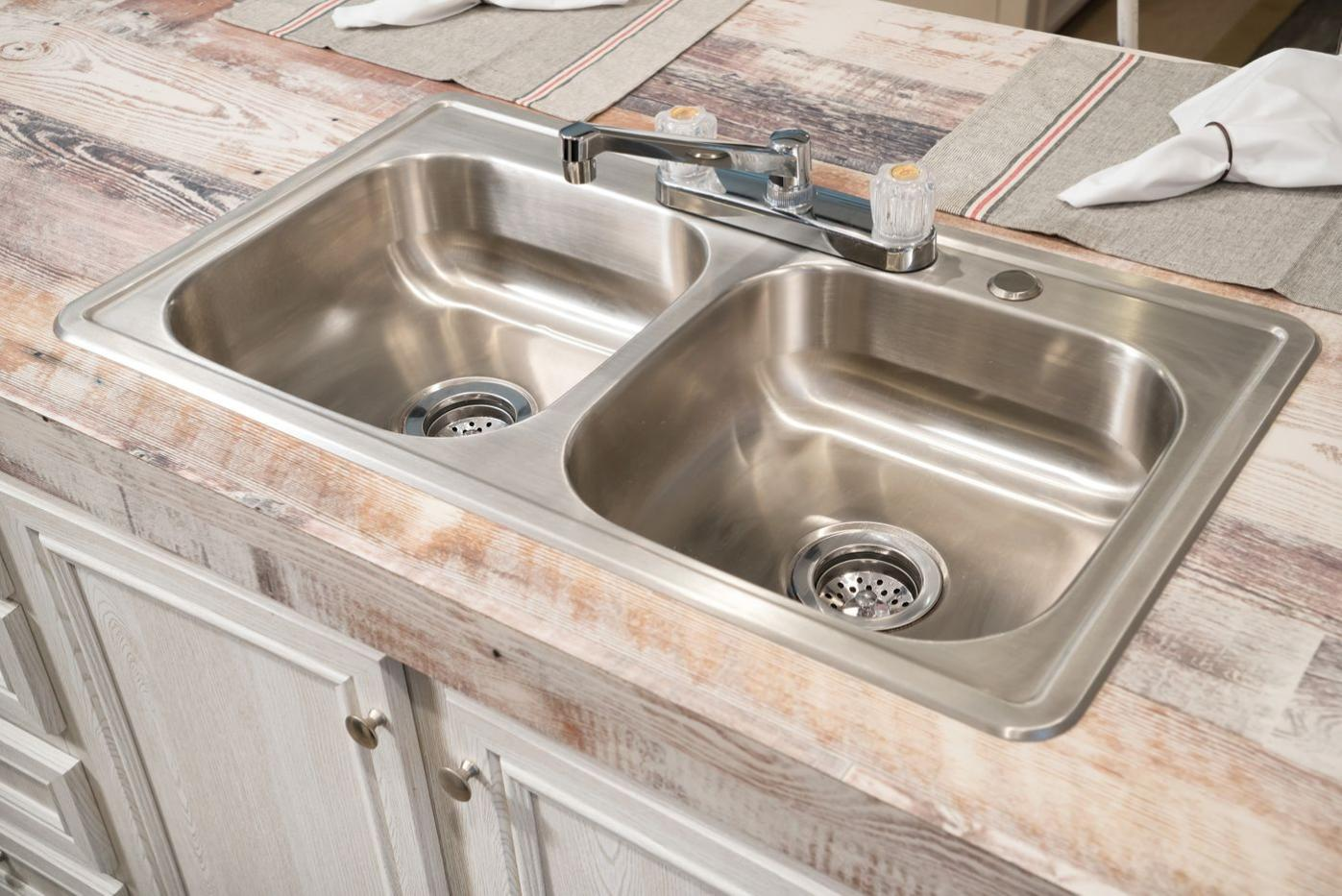 Sinks in the Edge Manufactured Home from Worldwide Mobile Homes in Lumberton, Texas