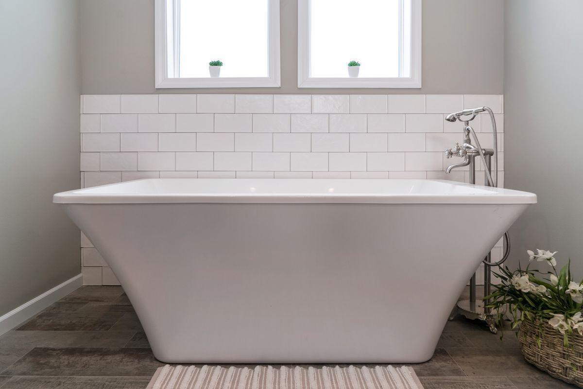 The Huxton Bathtub