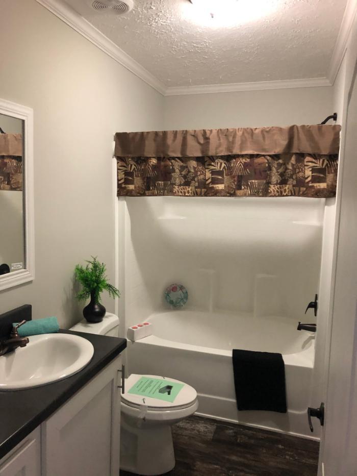 The Cavalier II Bathroom