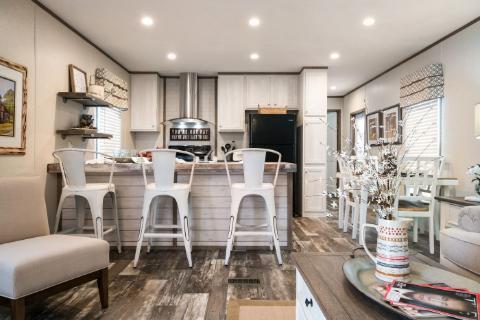 The Edge 16x82 Kitchen