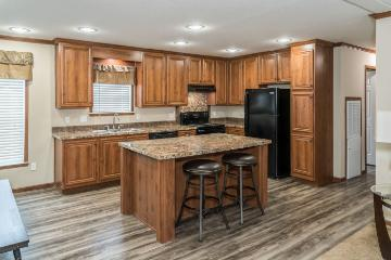 The Modern Kitchen of the Knight a Clayton Homes Manufactured Home from Timberline Homes of Tuscaloosa, AL